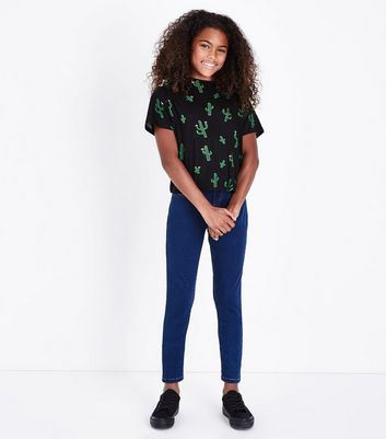 Teenager – Blaue, superenge Skinny Jeans