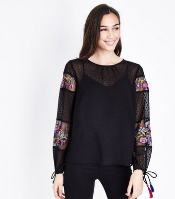 Black Spot Texture Embroidered Tassel Sleeve Blouse