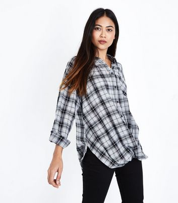 Petite Black Check Twist Hem Shirt