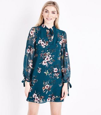 Green Floral Tie Neck Tunic Dress