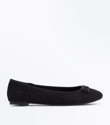 Black Lace Bow Ballet Pumps