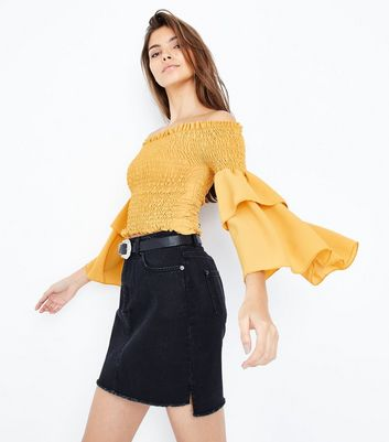 Cameo Rose Yellow Shirred Sleeve Bardot Top
