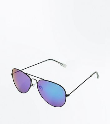 Dark Green Tinted Aviator Style Sunglasses