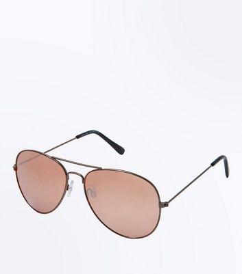 Rose Gold Aviator Style Sunglasses