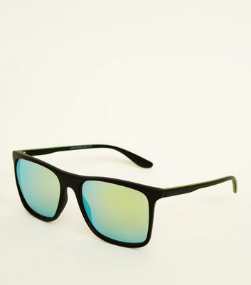 Black Tinted Mirrored Lens Sunglasses