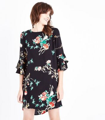Cameo Rose Black Floral Tiered Sleeve Shift Dress
