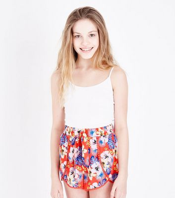Teenager – Rote Beach-Shorts mit Blumenmuster