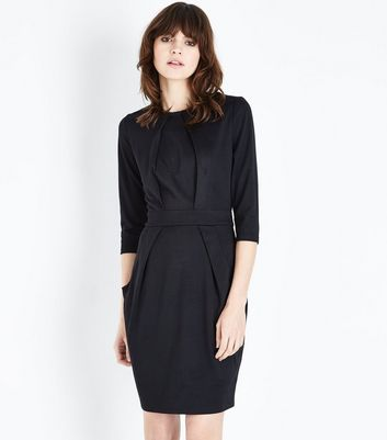 Black Double Pocket Tulip Dress