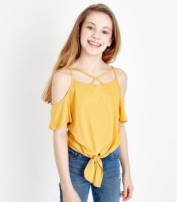 Teenager – Senfgelbes Cold-Shoulder-Top