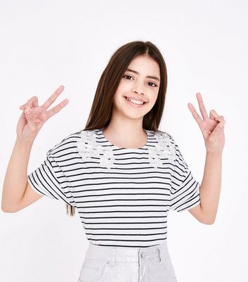 Teens Navy Contrast Stripe Floral Applique T-Shirt