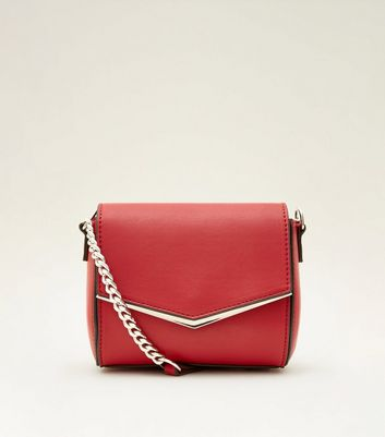 Red V Metal Trim Chain Shoulder Bag by New Look