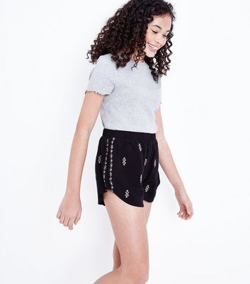 Teens Black Aztec Embroidered Runner Shorts