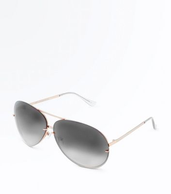 Black Oversized Pilot Sunglasses