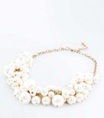 Cream Clustered Pearl Necklace