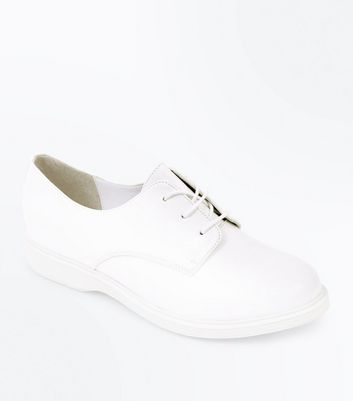 White Round Toe Lace Up Shoes