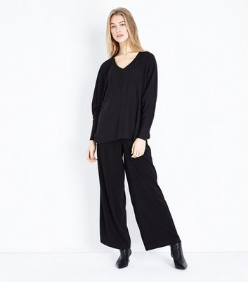 New Look - Black Ribbed Fine Knit V Neck Top - 2