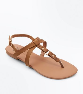 Teens Tan Cross Strap Ring Sandals