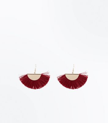 Red Metal Top Fan Tassel Earrings