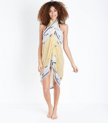White and Yellow Patterned Beach Sarong