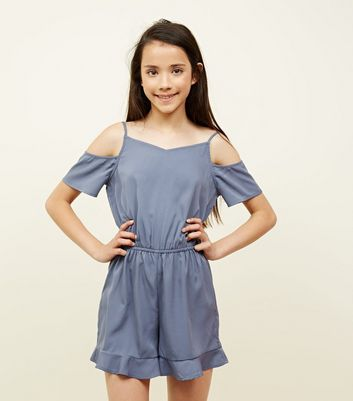 Teenager – Grauer Cold-Shoulder-Playsuit mit Rüschensaum