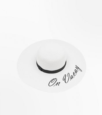 White On Vacay Slogan Floppy Hat