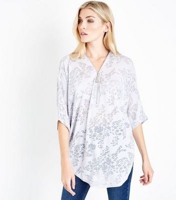 QED Lilac Floral Burnout Zip Neck Top