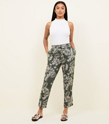 Petite Green Tropical Print Woven Joggers