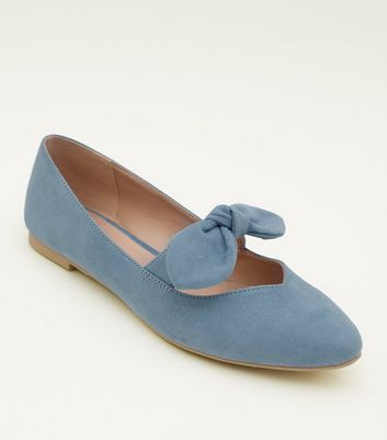 Teenager – Blaue Ballerinas in Wildleder-Optik mit Zierschleife