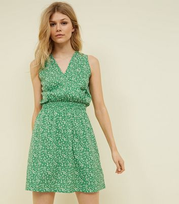 Petite Green Ditsy Floral Shirred Waist Dress