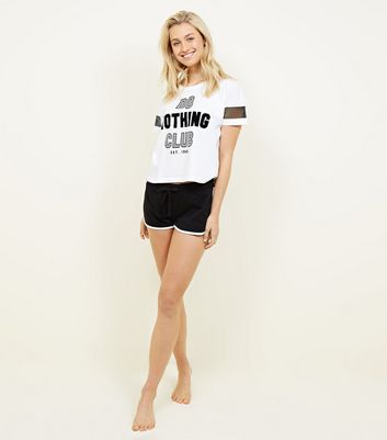 "Schwarzes Pyjama-Set mit ""Do Nothing Club""-Slogan"