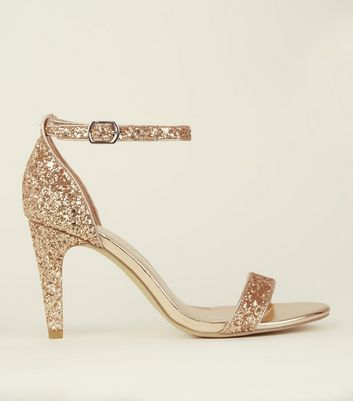 Wide Fit – Glitzernde High Heels in Roségold mit Riemchen