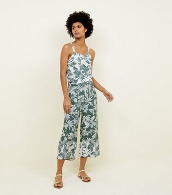 Green Tropical Leaf Print Cropped Trousers 				  				 					 				 			 			 					White Tropical Leaf Print Crop Top by New Look
