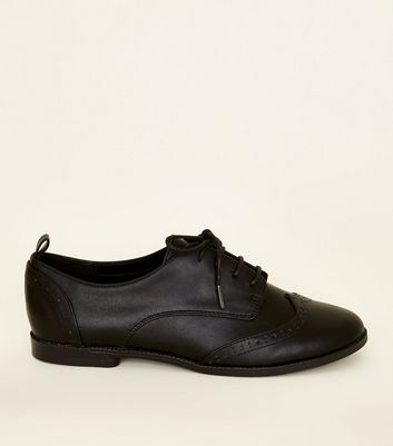 Teenager – Schwarze, komfortable Brogues in Leder-Optik