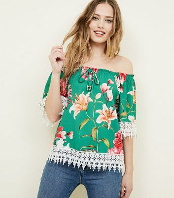 Cameo Rose Green Floral Crochet Trim Top