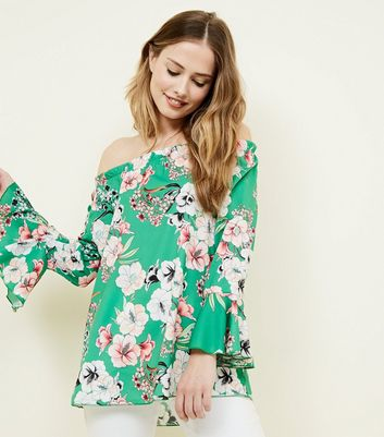 Cameo Rose Green Floral Bell Sleeve Top