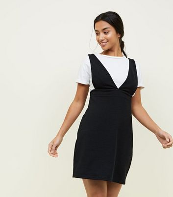 Petite Black V Neck Mini Pinafore Dress
