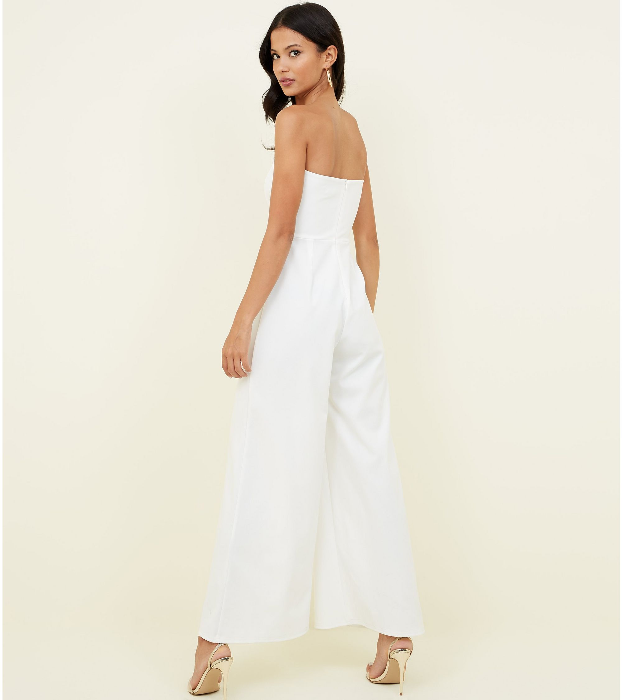 d22d849f0f10 New Look White Double Button Front Bandeau Jumpsuit at £15
