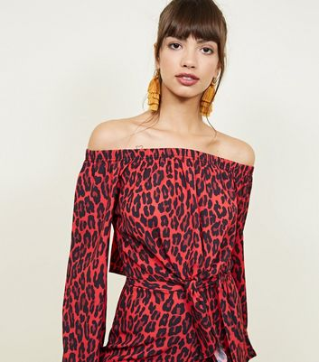 QED – Rotes Bardot-Top mit Leoparden-Print
