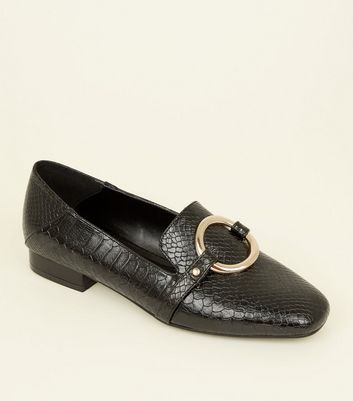 Black Faux Snakeskin Ring Front Loafers