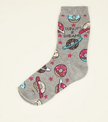 "Graue Socken mit ""Donuts & Dreams""-Slogan"