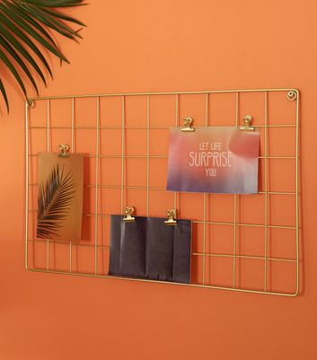 Gold Wire Grid Photo Display
