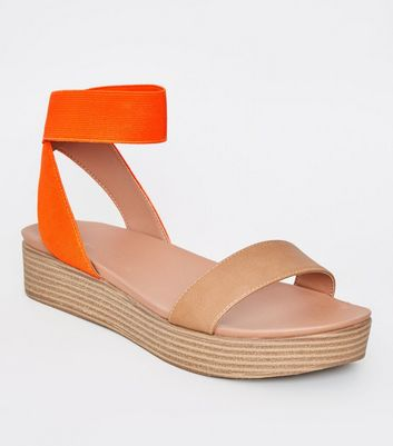 Tan Wood Flatform Footbed Sandals