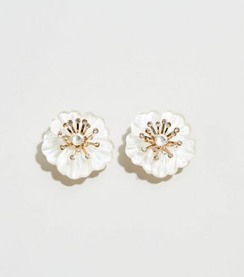 White Mother Of Pearl Flower Stud Earrings
