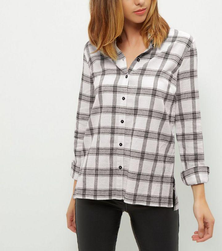 Chemise blanche fendue sur le côté à imprimé quadrillage et manches longues    New Look 01231bf1089d
