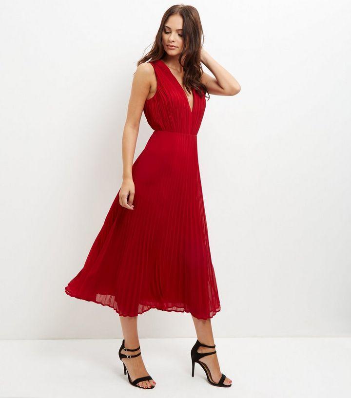 dd47156761d4 Red Pleated V Neck Midi Dress | New Look