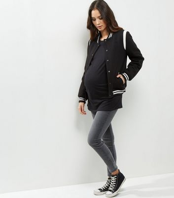 Maternity Black Rolled Sleeve Oversized T-shirt New Look
