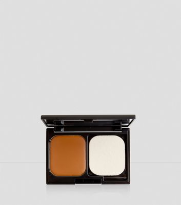 Caramel Flawless Foundation Compact New Look