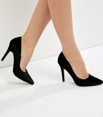 Black Velvet Pointed Court Shoes   New Look