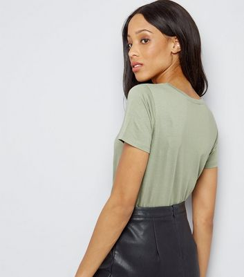Khaki Scoop Neck Short Sleeve T-Shirt New Look