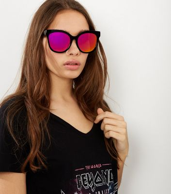 Black Holographic Mirrored Lense Sunglasses New Look